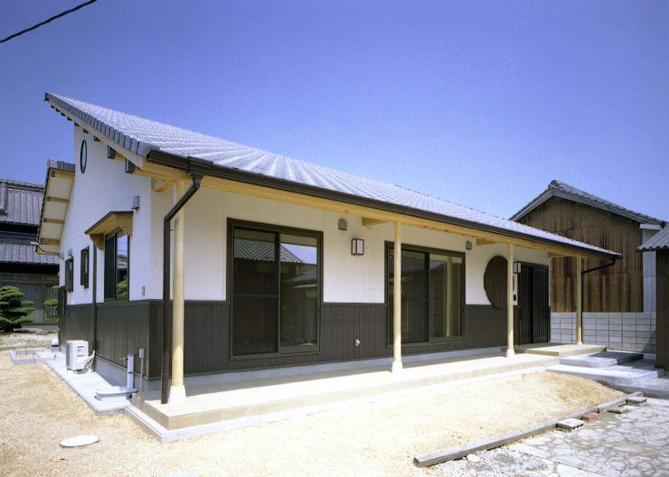 丸窓の平屋